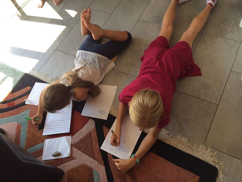 Schreiben mit Kindern_Tisch und Stuehle sind ueberbewertet_Michaela Pelz