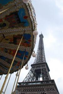 Karussell-Eiffelturm-Sebastian-Frie