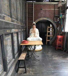 Alice Grünfelder schreibt in Taiwan, hier Taibei Qingshan