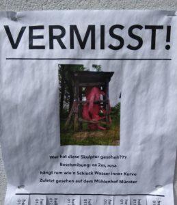 Wer klaut eine ganze Skulptur vom Mühlenhof in Münster? Ein Vermisstenplakat.