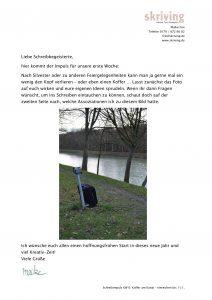 Schreibimpuls Maike Frie zu einem Foto von einem Koffer am Kanal